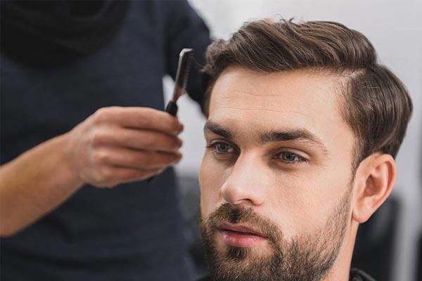peinado para hombre con protesis capilar