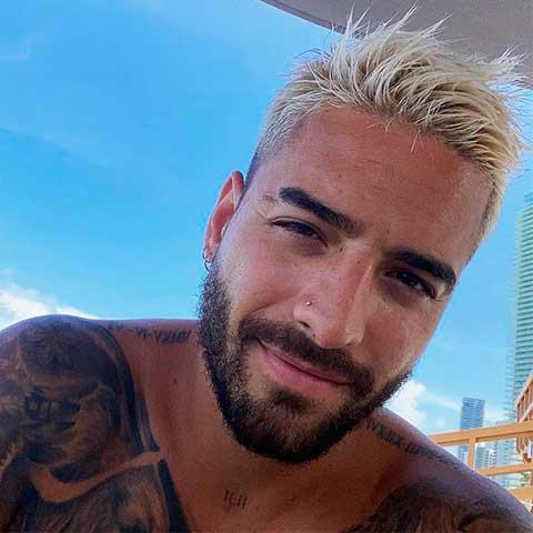cortes de cabello para jóvenes corte undercut de Maluma
