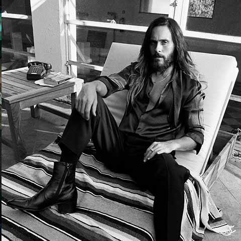 cortes de cabello medio largo hombre en jared leto